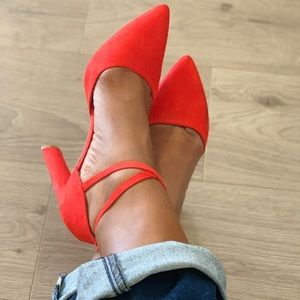 Red pump high heels from Forever 21.